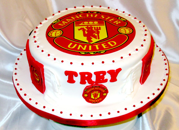 Manchester United Football cake Front view Sensational Cakes